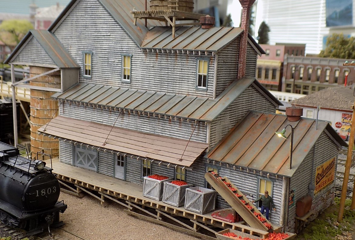 Morristown and Erie Railway layout, factory picture.