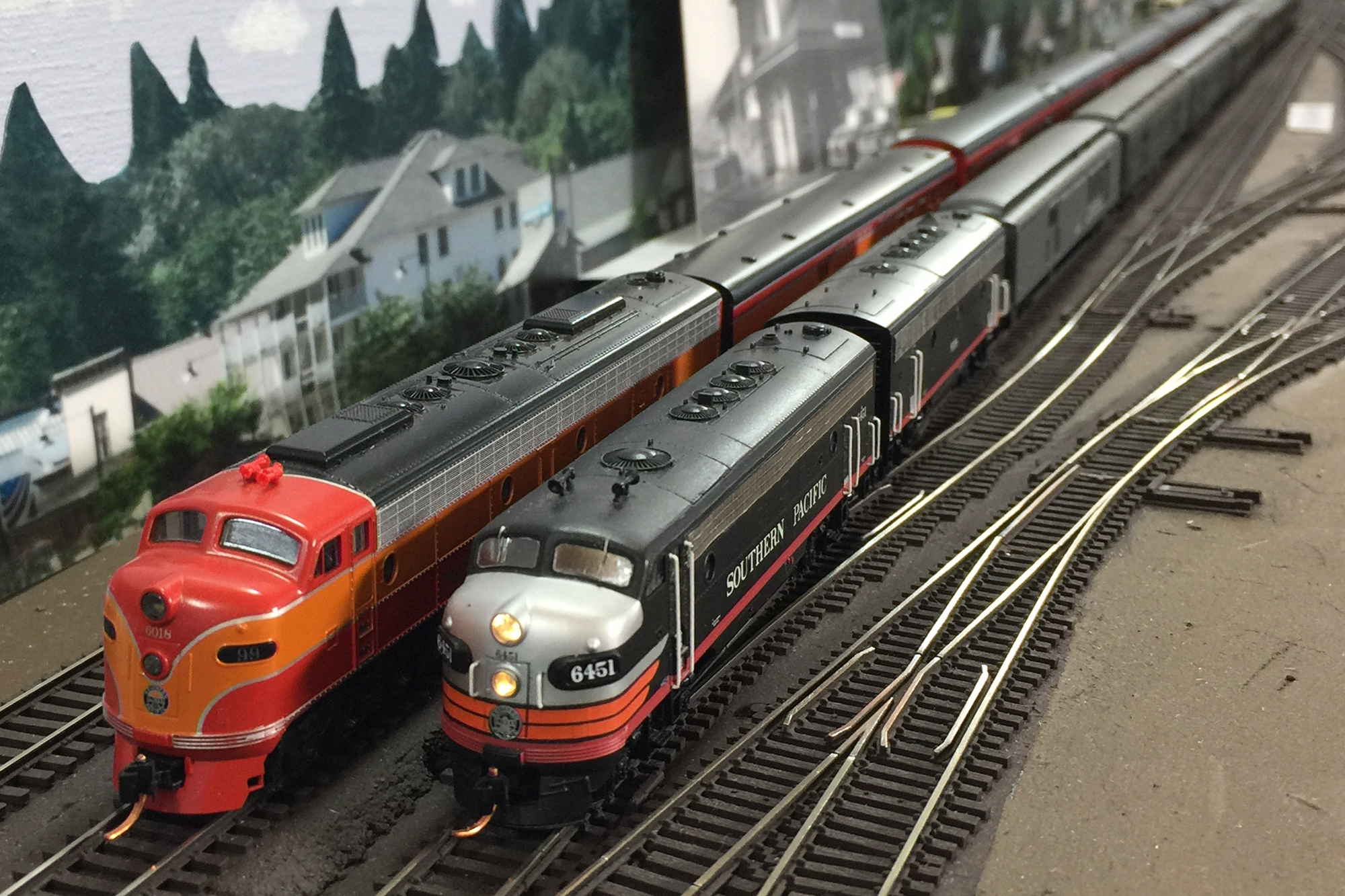 N Scale passenger trains and layout by Ryan Ryan Di Fede, San Diego Division member.